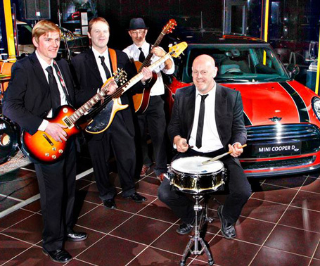 Grooverobbers Perform Live at Corporate Event